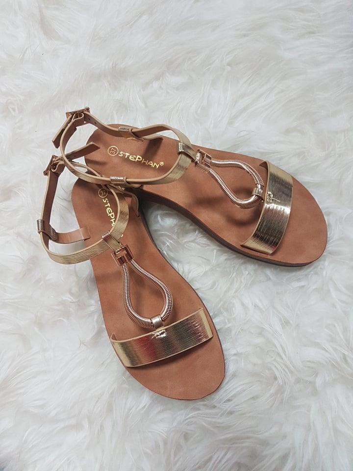 zlate sandalky