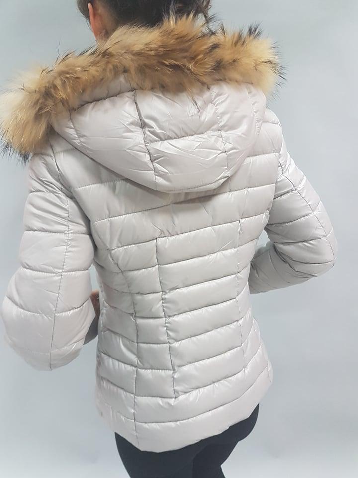 siva zimna bunda