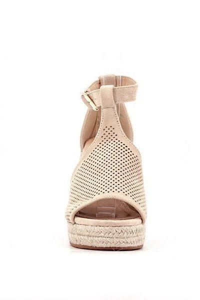 bezove sandale