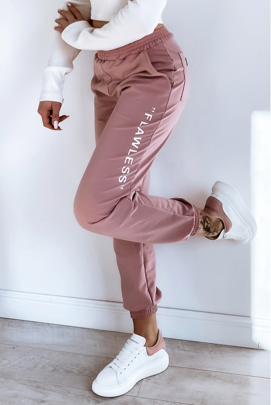 pink teplaky